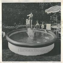 1965 Press Photo Backyard Swimming Pool