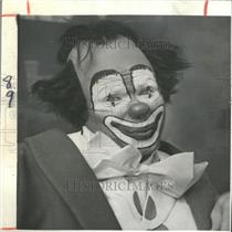 1965 Press Photo Richard Conte American Actor Clown - RRY12965