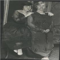 1923 Press Photo Mrs. Hylan Mrs. Sinnot wife secretary