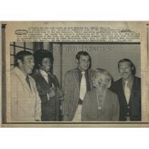1971 Press Photo Publicist Wendie Regalia San Francisco 49ers John Brodie TV