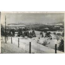 1944 Press Photo Snowflakes Are Plentiful In Vermont