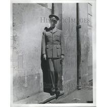 1941 Press Photo Times Foreign Correspondent Busvine Wearing Military Uniform