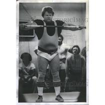 1975 Press Photo Noel Wroblewski Sayre Park Weightlifting Club - RSC70975