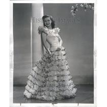 1941 Press Photo Carol Bruce Actress Louis White Gown
