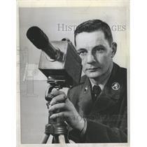 1958 Press Photo PFC. Ralph Kirste Astronomical Camera - RRW49009