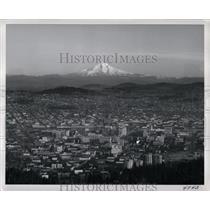 1972 Press Photo Portland Oregon Skyline Majestic Mt - RRX62131