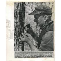 1964 Press Photo Farmer Kirk Heath - RRW45967
