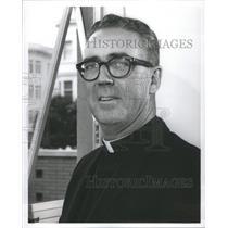 1964 Press Photo Rev. Charles W. Dullea