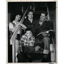 1959 Press Photo Frank Guarrera and his family - RRW19487