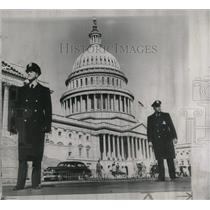1954 Press Photo Washington ALert Capitol Plaza Floor - RRW69103