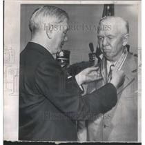 1950 Press Photo George Marshall Defense Secretary Governor John Battle medal