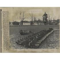 1966 Press Photo Didier Jean Propels Bike Over 30 Men - RRX83391