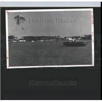 1970 Press Photo Parasailing - RRX98831