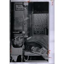 1957 Press Photo Frank Hlavacek Wilmette Hospital ILL - RRU39143