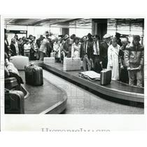 1981 Press Photo Passengers at Tampa International Airport - XXB08993