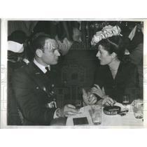 1942 Press Photo Actress Kempner - RSC48381