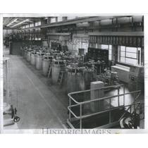 1953 Press Photo Zirconium Production Aisle Westinghouse Atomic Power Division