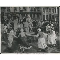 1932 Press Photo Celebration Marks Unveiling of Shakespeare Memorial - RSC52277