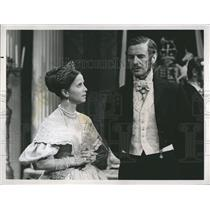 1969 Press Photo Actress Julie Harris and Actor James Donald. - RSH81519