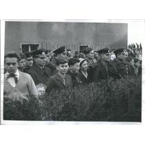 1950 Press Photo Among the watching crowd, uniforms of Polowsky's return