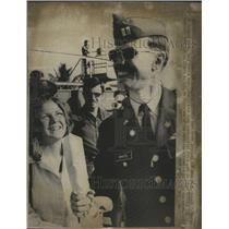 1973 Press Photo Last known POW Army Capt Robert T White comes home