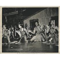 1964 Press Photo Maori Culture Stick Game - RSH97183