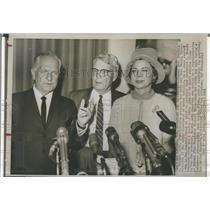 1961 Press Photo Ex Gov Goodwin Knight & wife & Paul Mason - RSH98943