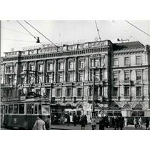 Press Photo Swiss Credit Institution Building - Strauli.