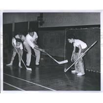 1960 Press Photo Blind boy playing hockey - RRR82561