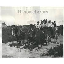 1932 Press Photo Thrift Gardeners in Grosse Pointe - RRR87333