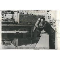 1959 Press Photo Joseph Cavalier Police 16 Inch Shell - RRR91845