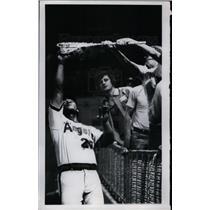 1977 Press Photo Angels Tony Soliata Reaches For Foul Ball