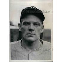 "1941 Press Photo New York Yankees 3rd baseman Robert ""Red"" Rolfe"