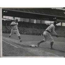 1937 Press Photo Catcher O'Dea of Cubs is out at 1st, Suhr covering the base.