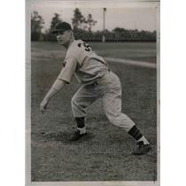 1938 Press Photo Senator's Pitcher Joe Krokauskas At Training Camp - nea02018