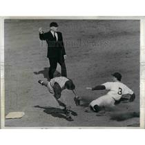 1941 Press Photo Pete Coscarat Brooklyn Dodgers Louis Stringer Chicago Cubs