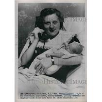 1951 Press Photo Wife And Baby Of New York Giants Outfielder Whitey Lockman