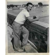 1938 Press Photo Joe Medwick, Leftfielder of the Cardinals, fishing at Florida.