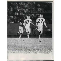 1961 Press Photo Bears end John Farrington vs Steelers J Simpsom,D Derby