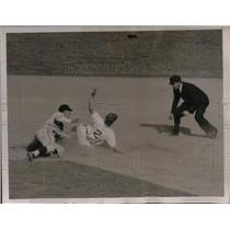 1937 Press Photo Dick Bertell out at 2nd Baseball game
