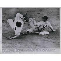1952 Press Photo Phils Elmer Valo vs Nationals Eddie Yost