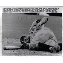 1970 Press Photo NY Mets Jerry Grote hit by wild pitch of Cardinals