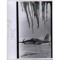 1971 Press Photo Airplane at Lakefront Airport