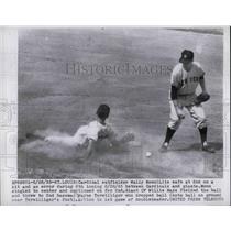 1955 Press Photo Cardinal Wally Moon safe at 2nd vs Giants Wayne Terwilliger