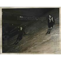 1936 Press Photo Skiers at Snow Slide, Madison Square Garden, New York