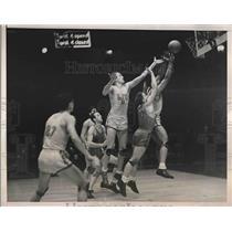 1938 Press Photo Ken Ehlers of Long Island Univ., Charles Kristofak of Duquesne