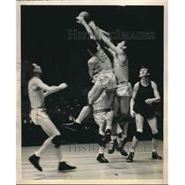 1940 Press Photo College basketball players John Carroll, Richard Fitzgerald