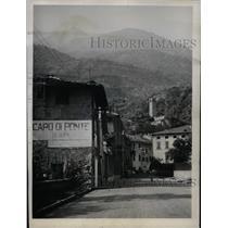 1962 Press Photo Capo Di Ponte, Italy, picturesque town scene