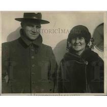 1922 Press Photo Mr. Bengert and German War Bride Arrive in New York - nea67728