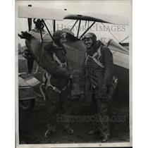 1931 Press Photo Priest George H. Woodley Receives Pilot License, Oren P Harwood